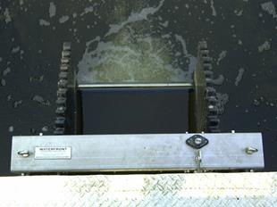 Van điều tiết mực nước cửa đập nghiêng- Tilting weir3