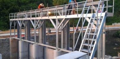 Cung cấp, lắp đặt Van cửa phai: 2800×3000 mm. Vật liệu sus 304 điều khiển tự động, cảm biến theo mực nước